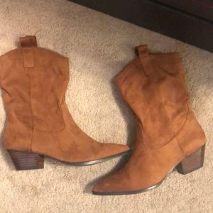Steve Madden Boots. Perfect for the Fall! 🍁🍂